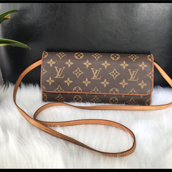 baf2956770d4 Louis Vuitton Handbags - Rare Item 😍Louis Vuitton Pochette Twin GM